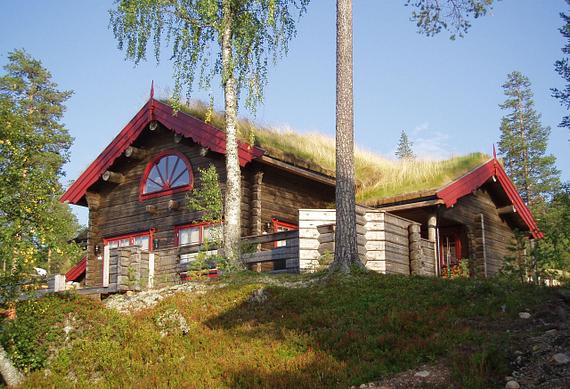 Timmerhus sommar Granfjällsbyn